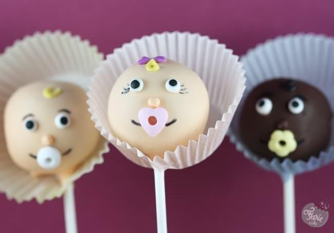 """Cake pops """"les bébés"""""""