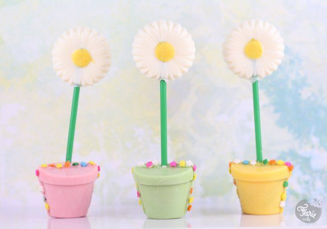 Une sucette pot de fleurs !