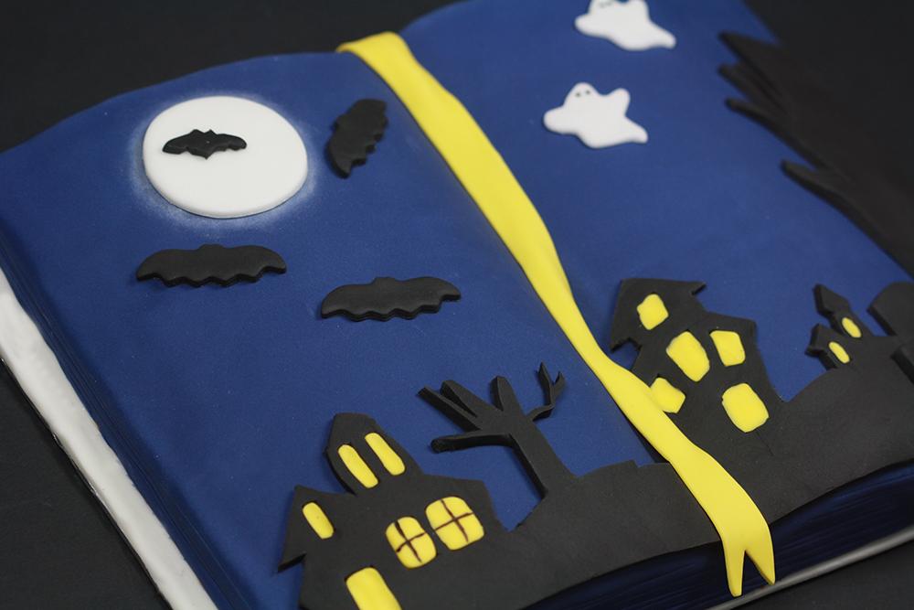 Gâteau livre Halloween