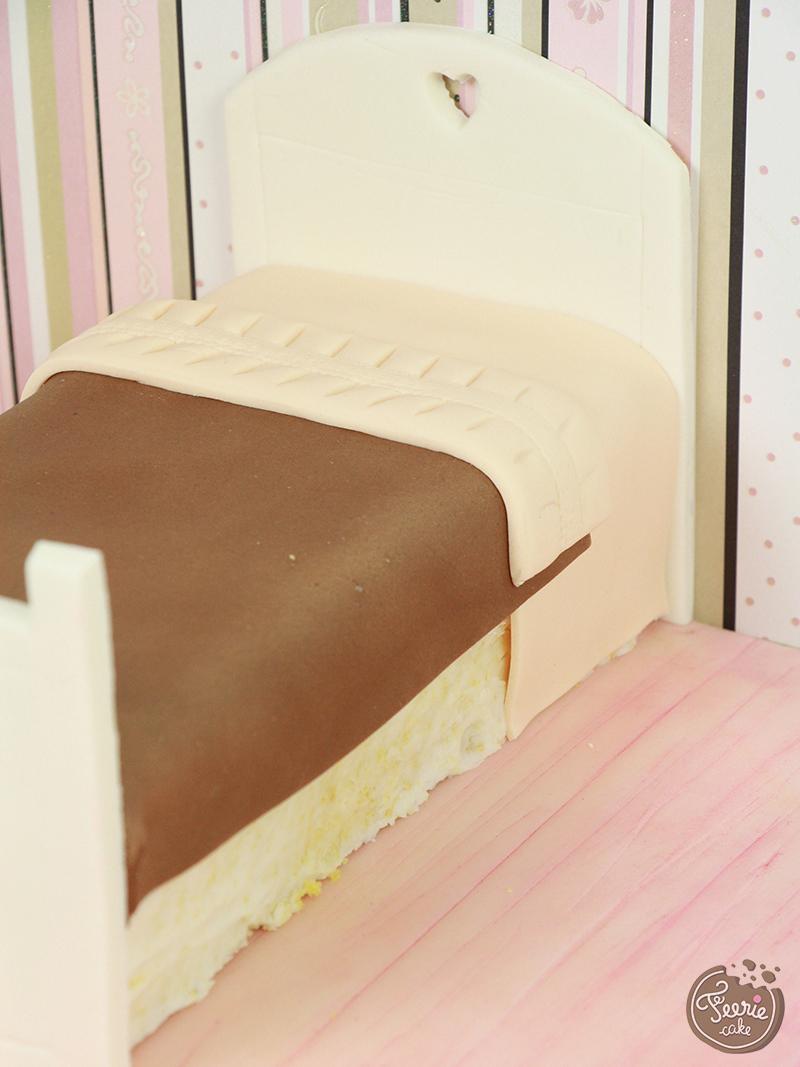 bedroom cake6