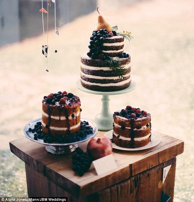 naked cake 1 Alana Jones