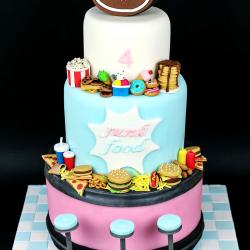 Gâteau anniversaire junk food 1