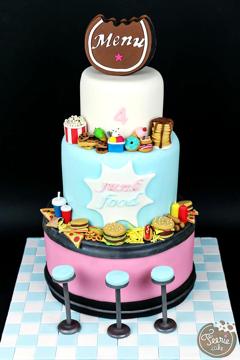 """Gâteau anniversaire 4 ans """"Junk Food"""""""
