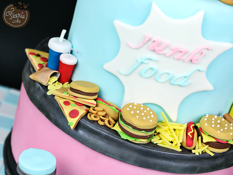 Gâteau anniversaire junk food 2