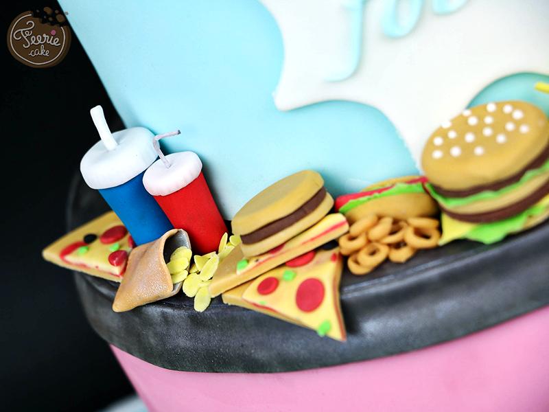 Gâteau anniversaire junk food 3