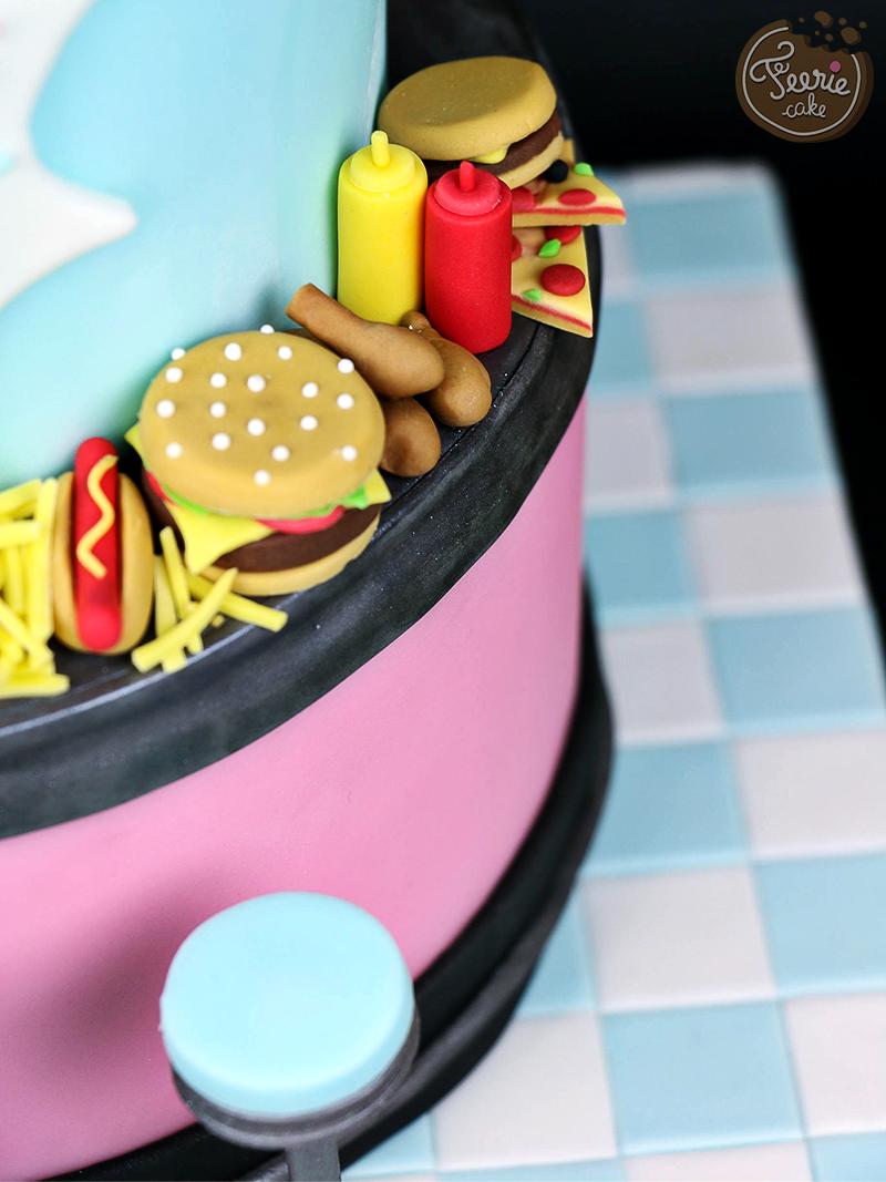 Gâteau anniversaire junk food 5