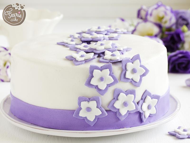 pâte à sucre gâteau violet