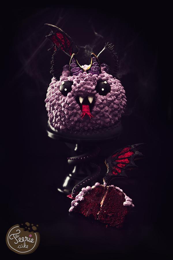 ein Stück Monstertorte für Halloween