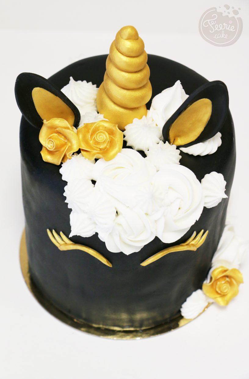 Gâteau licorne en rainbow Cake