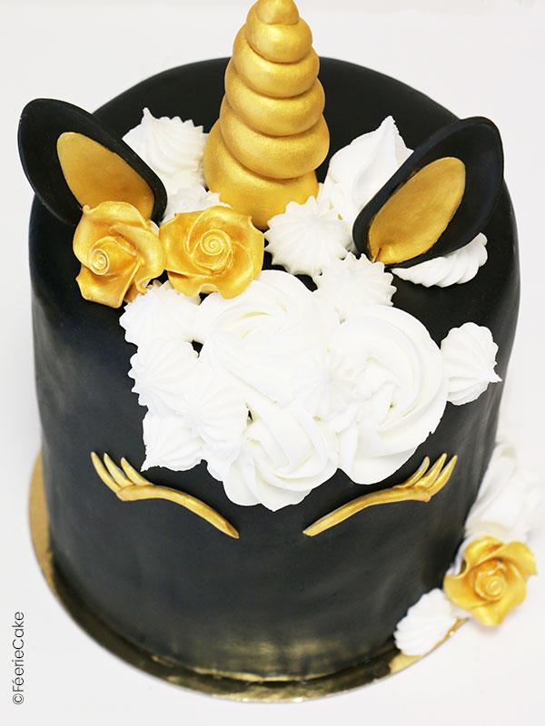 Recette de gâteau en Pâte à Sucre Licorne sur son 31