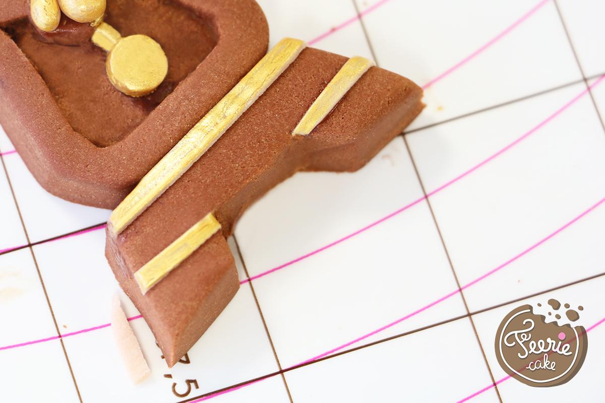 modelages en pâte à sucre bigben jambes