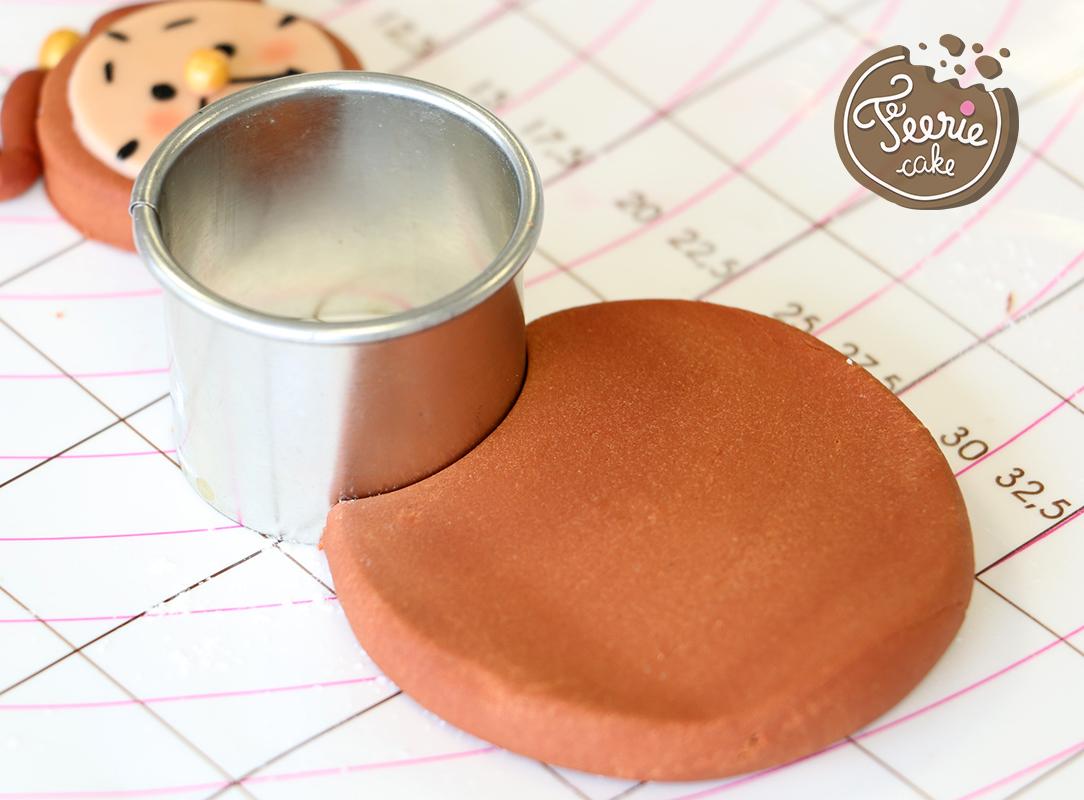 modelages en pâte à sucre bigben corps découpe