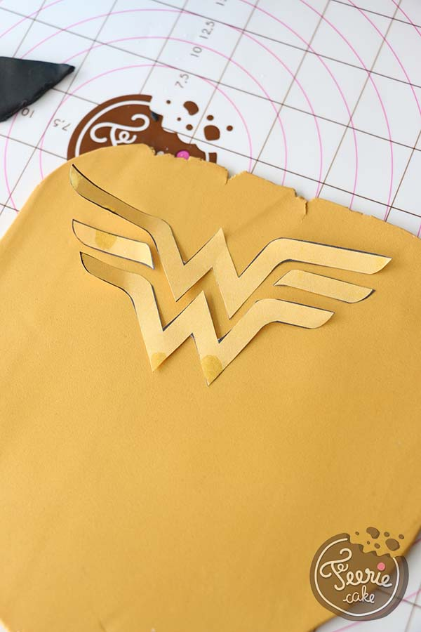 Logo Wonderwoman Kuchen