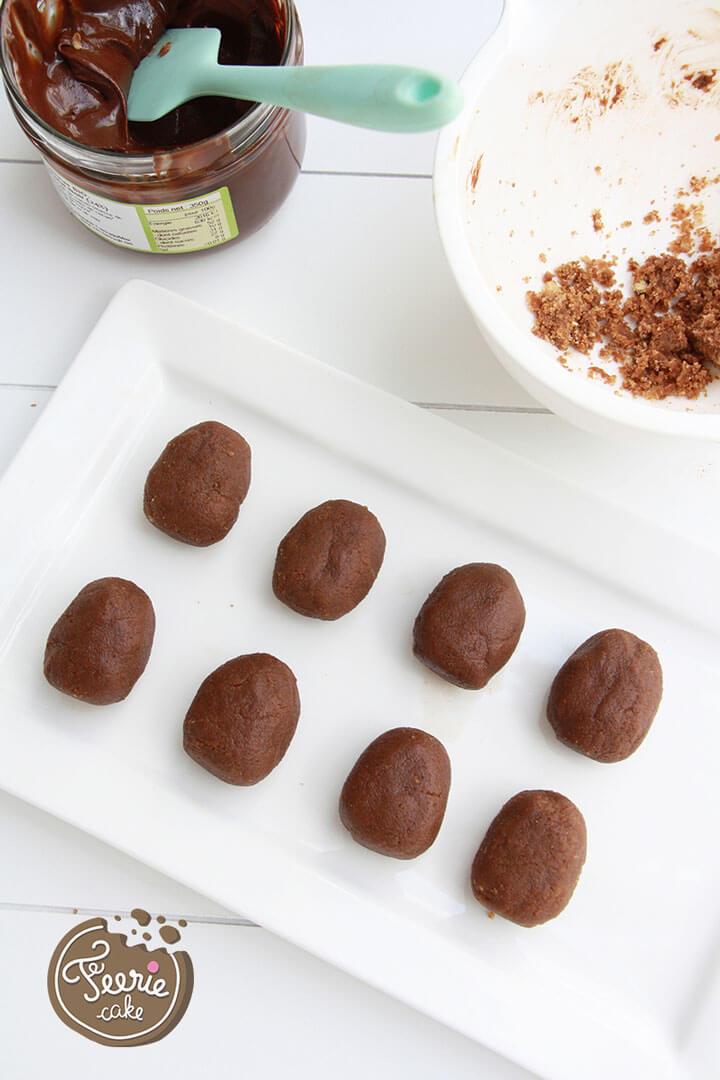Faites vos cake balls de forme ovale
