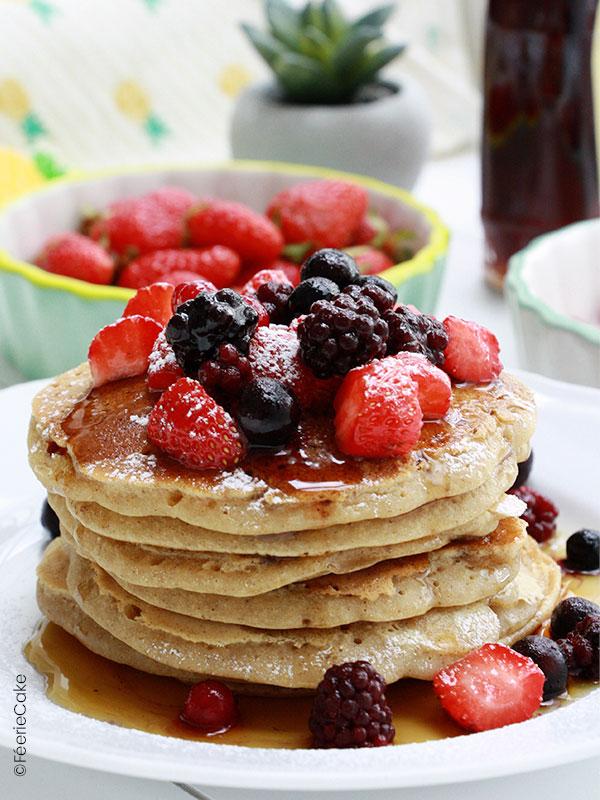 Recette de pancakes vegan aux fruits rouges