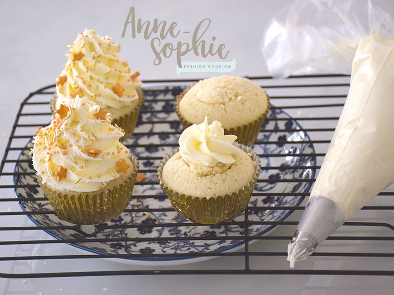 Cupcakes du nouvel an par fashion cooking f erie cake for Decoration gateau nouvel an