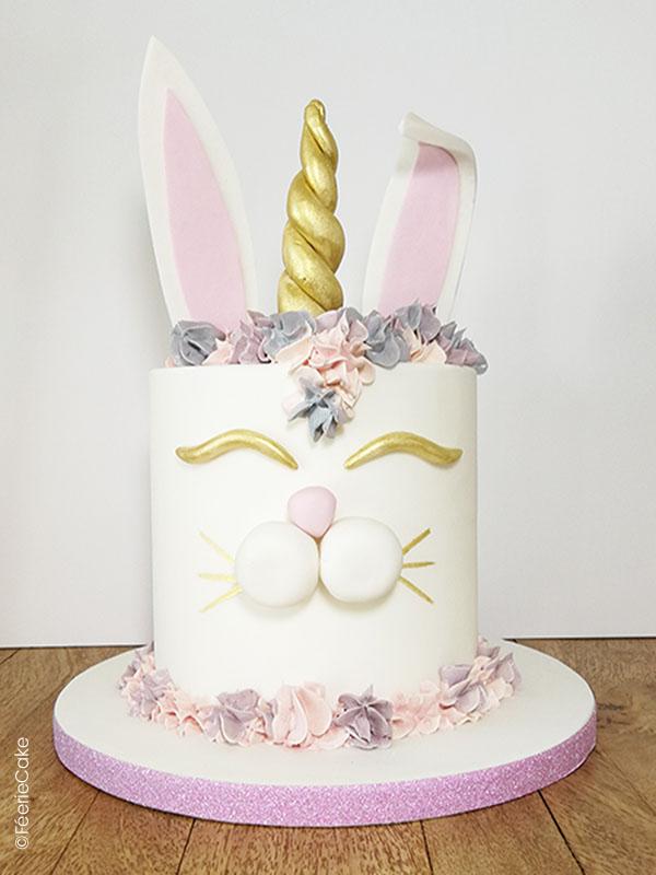Un gâteau en Pâte à sucre : Le Lapicorne : un mélange de lapin et de licorne !
