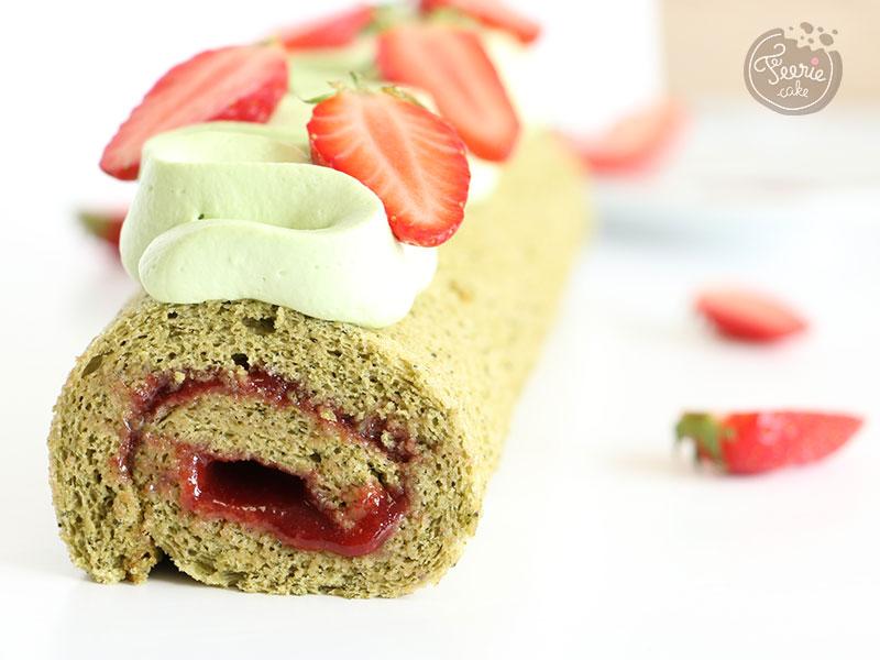 Roulé matcha, fraise et pistache de Féerie Cake