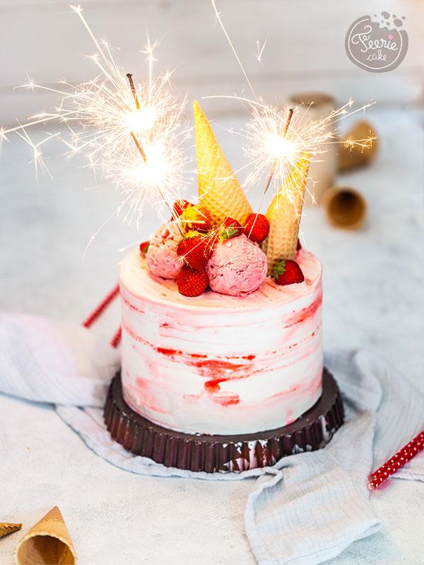 Layer cake à la fraise pour l'anniversaire de Féerie Cake