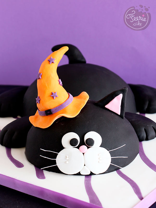 Top 10 des meilleures recettes d'Halloween: Le chat noir d'Halloween en pâte à sucre