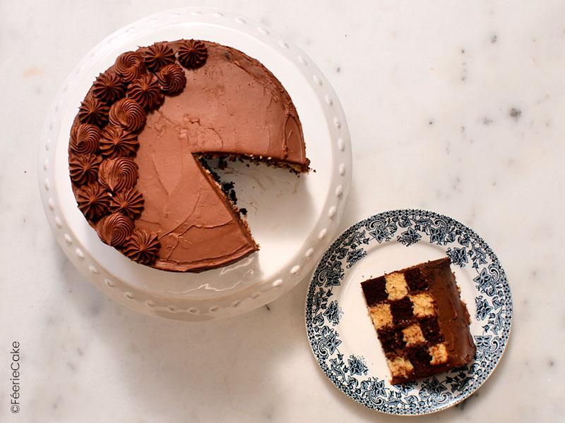 Photo finale du gâteau damier au chocolat