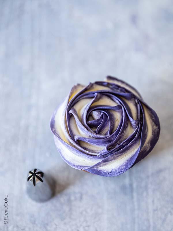 Fleur rose violette