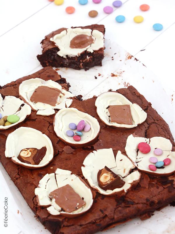 Brownie au chocolat, pralinés feuillantine pour Pâques