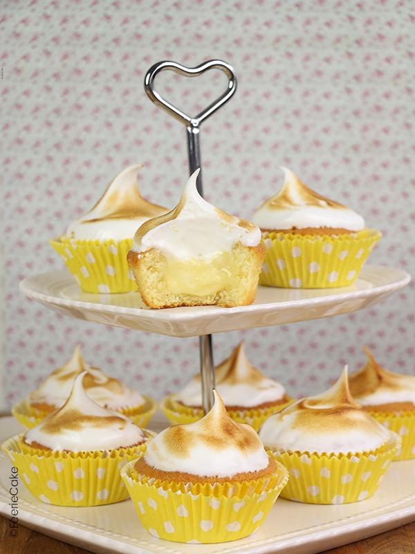 lemon curd dans un cupcake