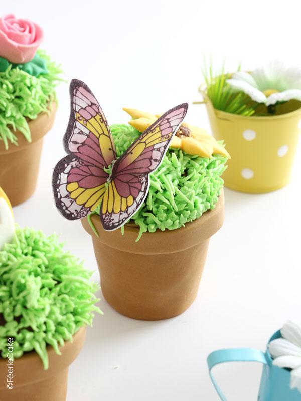 Des petits pots de fleurs cupcakes et pâte à sucre, plus vrais que nature !