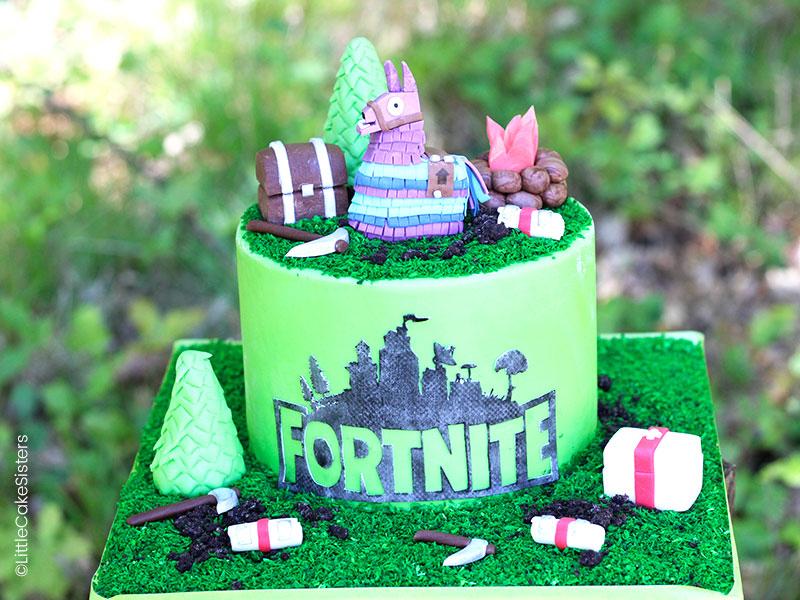 Gâteau Fortnite en pâte à sucre : idéal pour l'anniversaire d'un jeune garçon !