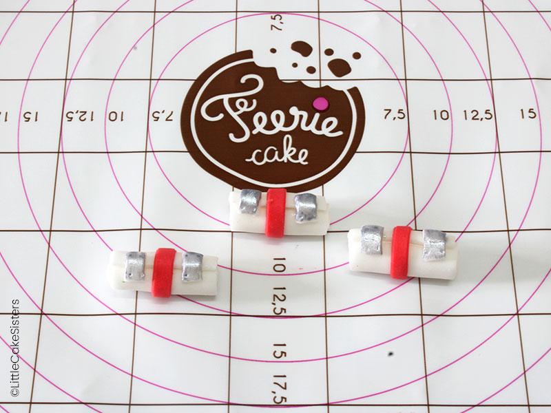 Modelage des pochettes pour le gâteau en pâte à sucre Fortnite
