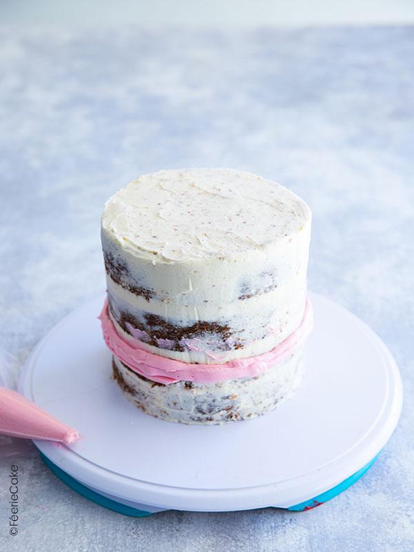 Molly cake et glaçage à la crème au beurre rose