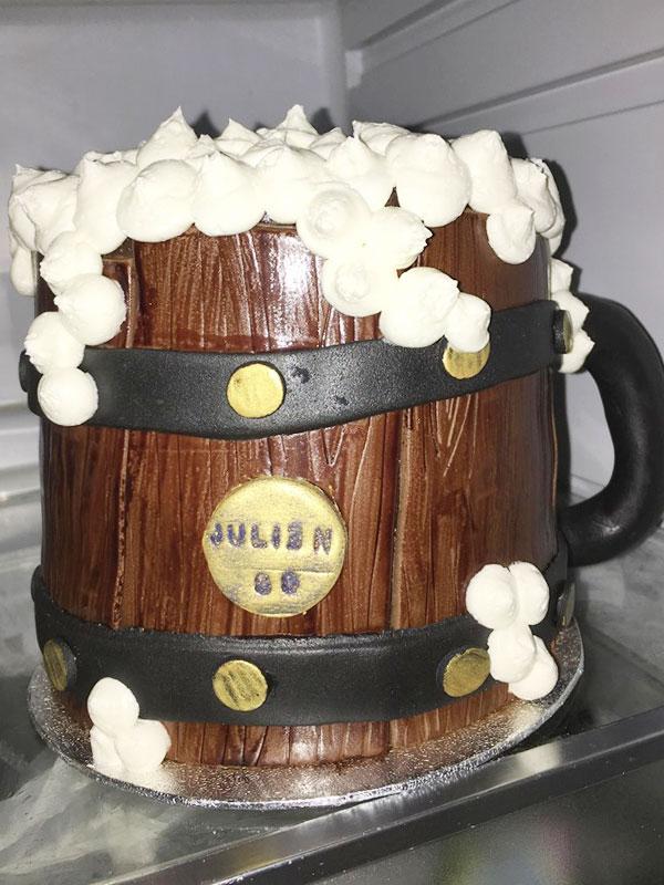 Gravity Cake sur le thème de la bière brune