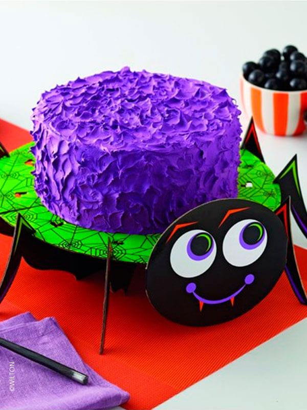 Le présentoir à gâteau et à cupcakes araignée