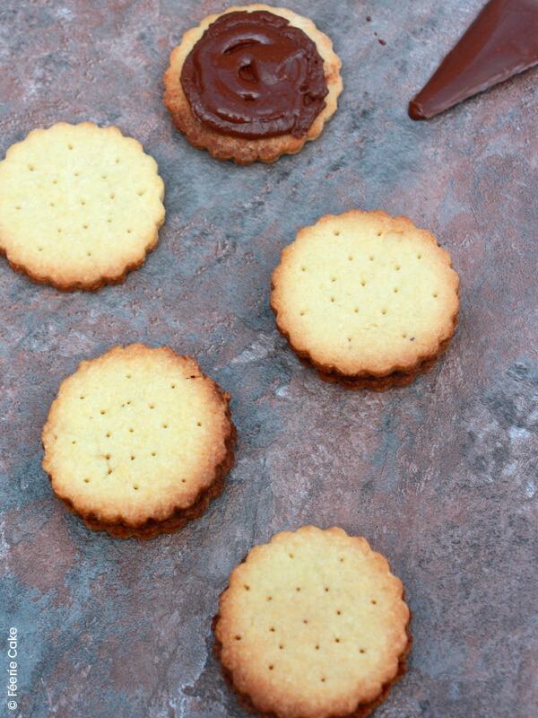 photo biscuits fourres pate tartiner