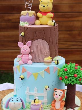 Le gâteau Winnie l'Ourson de Vanessa @Little Cake Sisters