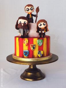Le gâteau Harry Potter Kawaï de Cre-AnneC Cake Designer (Tuto modelage)