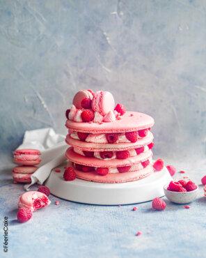 Layer cake macaron framboise chocolat