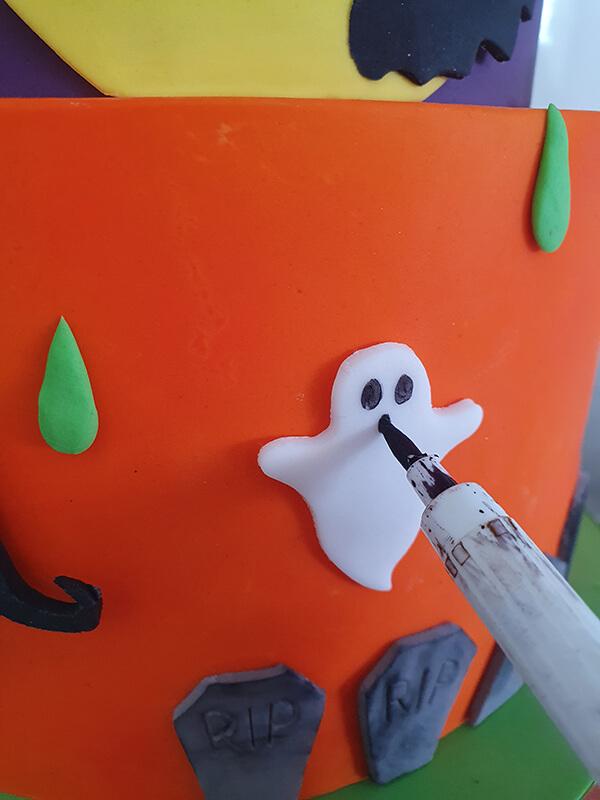 gateau décoré halloween