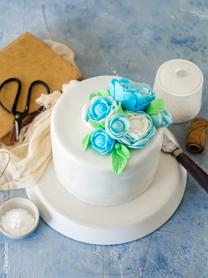 Tuto gâteau en pâte à sucre